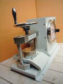 簡易型エアー式抗圧力試験機